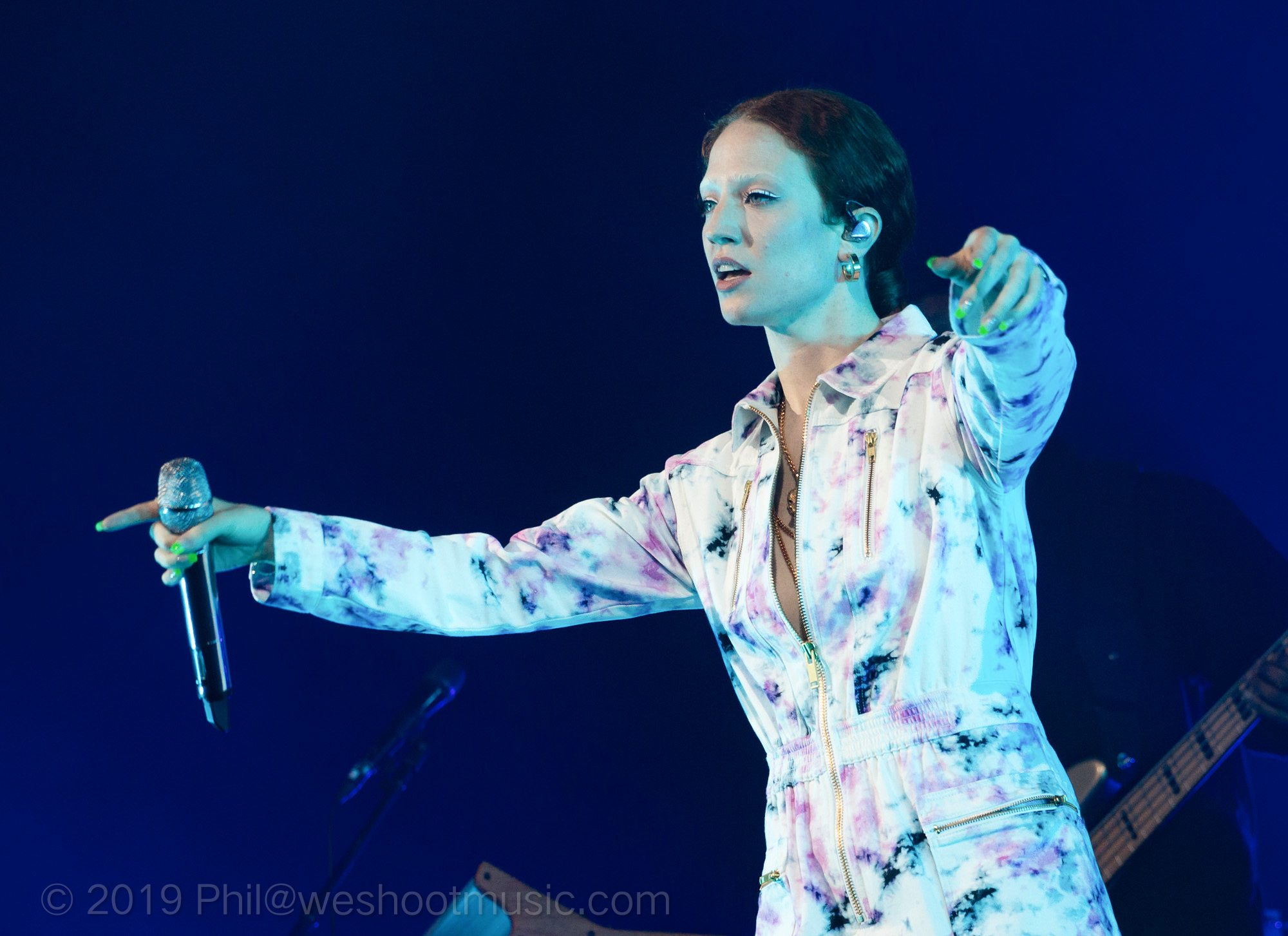 Singin' in the Rain with Jess Glynne at Haydock