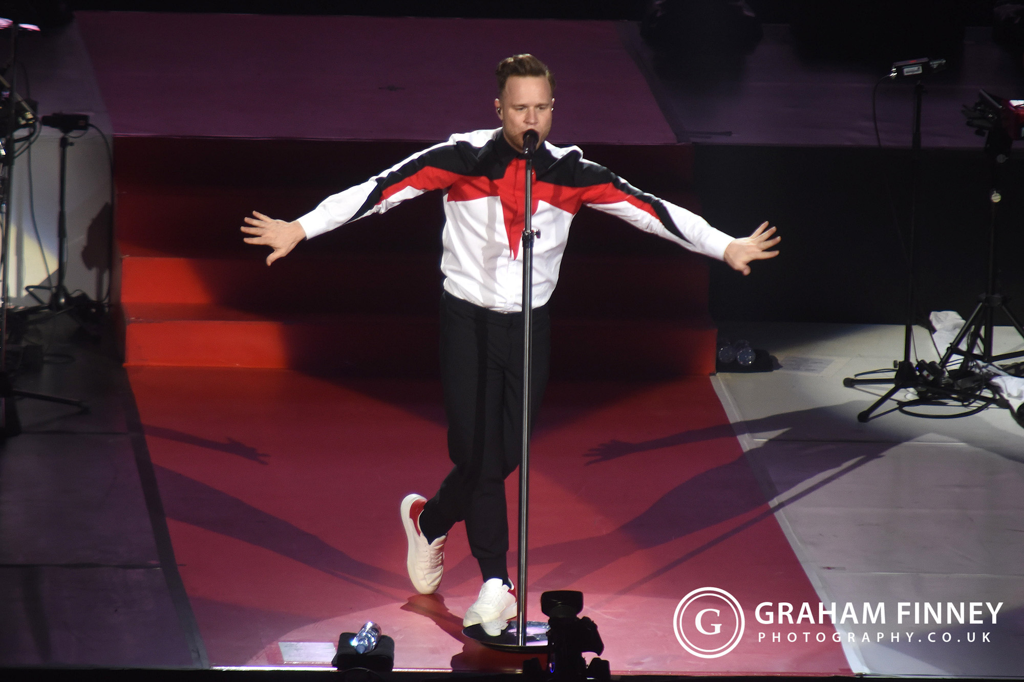 OLLY MURS AT LEEDS ARENA